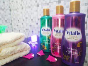 mandi dengan vitalis body wash